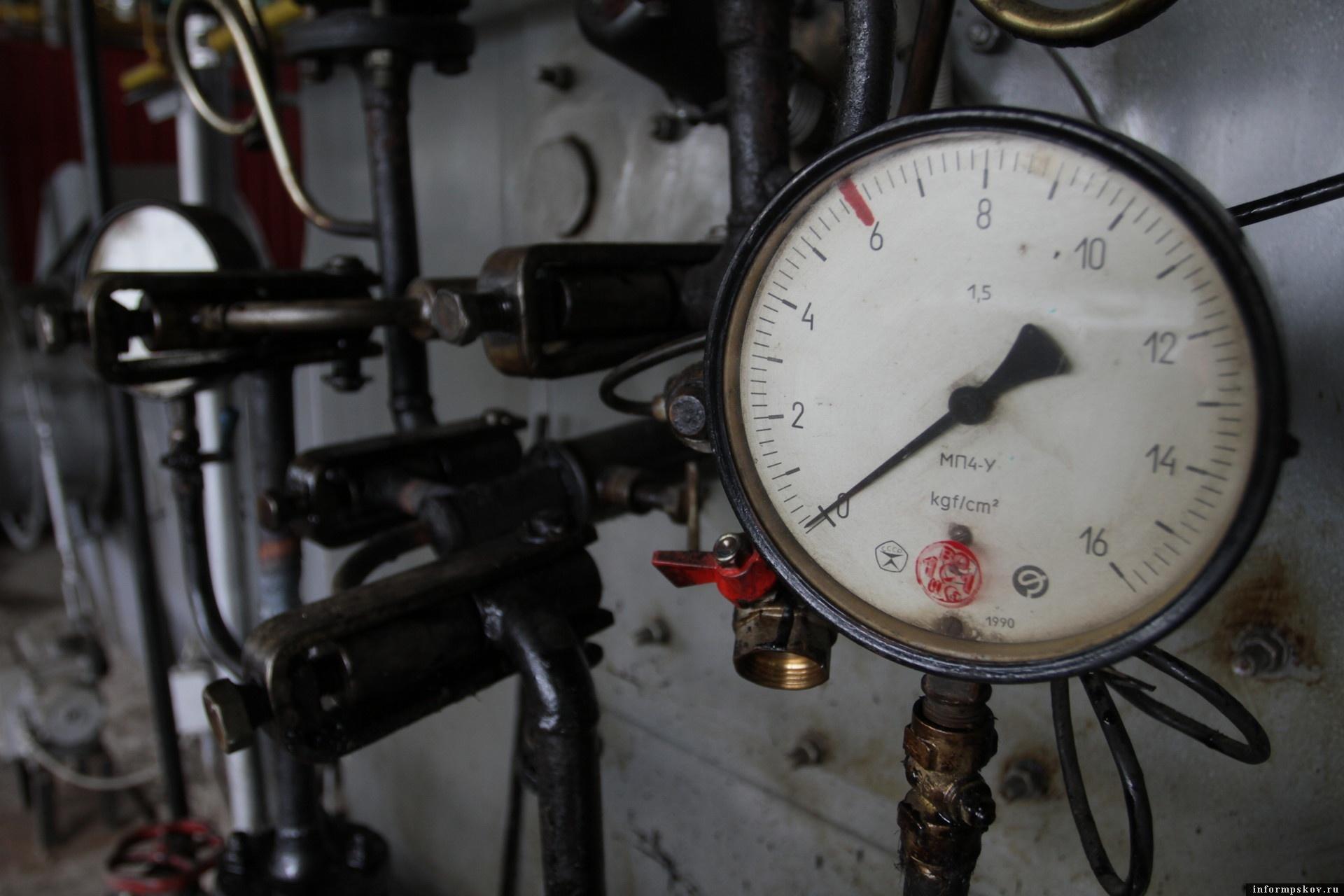 Губернатор Михаил Ведерников поручил в следующем году организовать поэтапное отключение отопления в области.  Фото: Андрей Степанов.