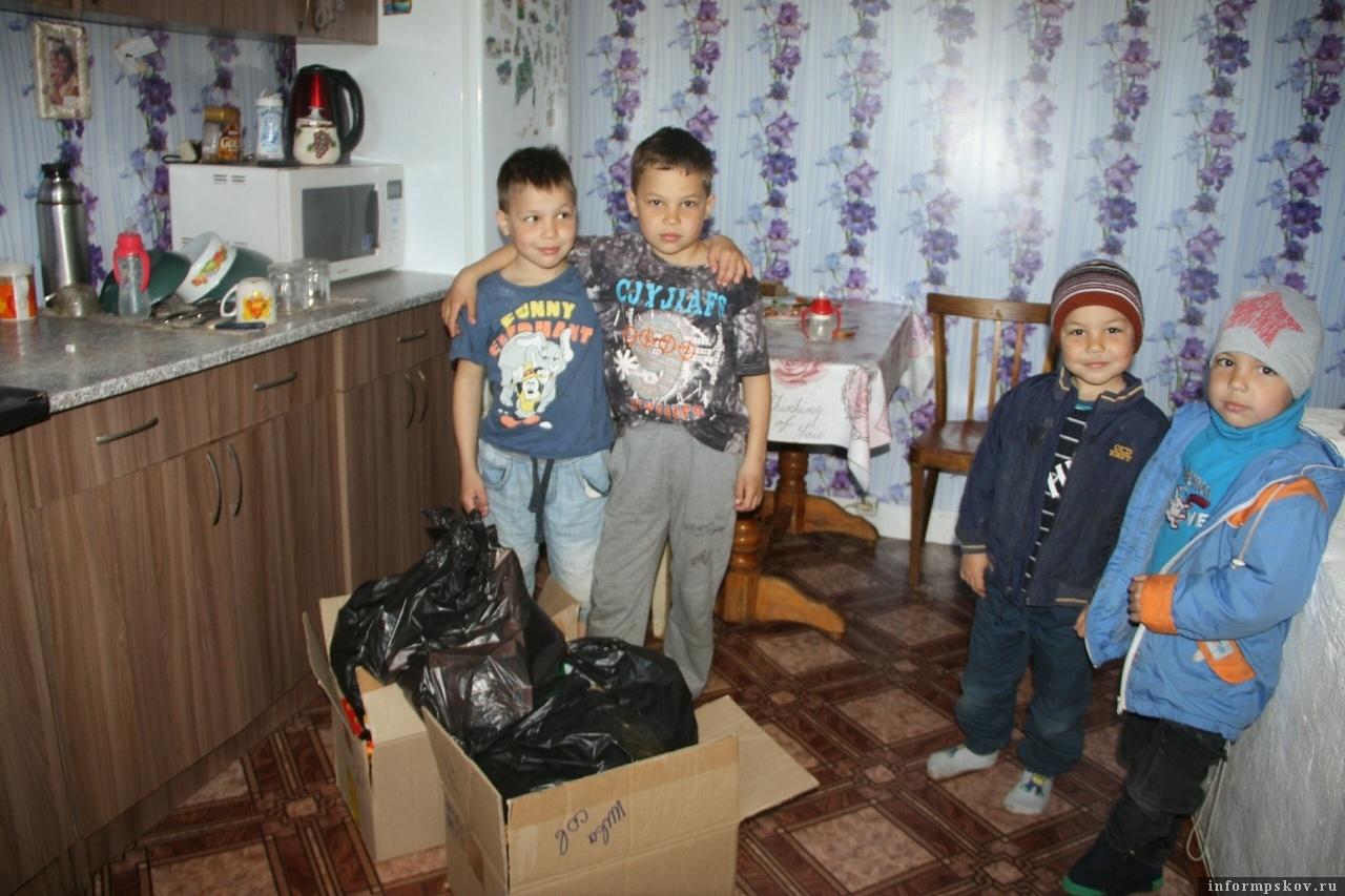 Более 7 тысяч долларов пожертвовали австрийские благотворили для детей из нуждающихся семей Псковской области