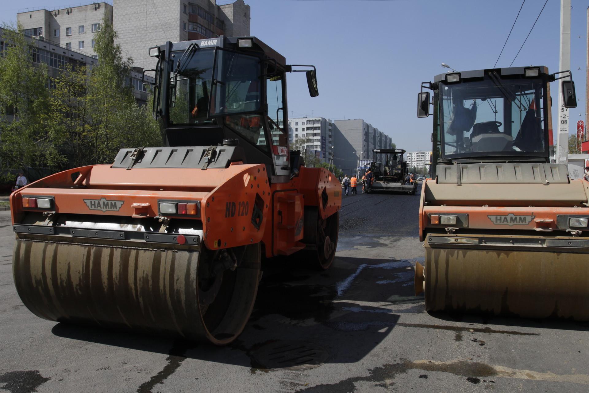 На ремонт дорого в Пскове потратят на 94 млн рублей больше запланированного. Фото Андрея Степанова.