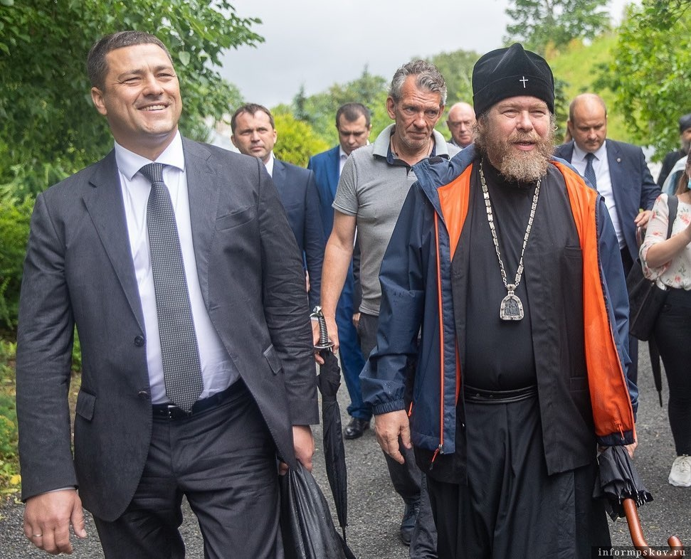 Губернатор Псковской области Михаил Ведерников и митрополит Псковский и Порховский Тихон