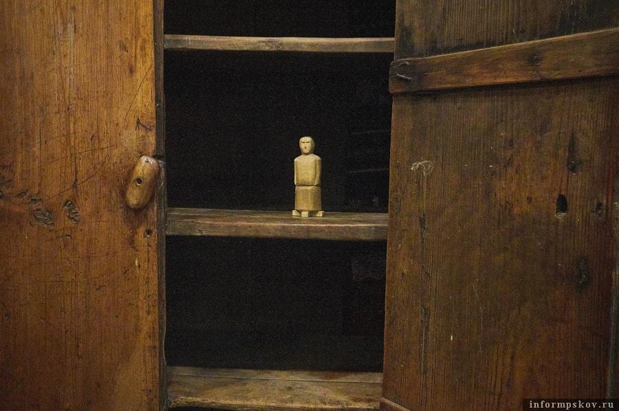 Статуэтка бога плодородия Пекко передавалась в тот дом, где не задался урожай. Фото: Дарья Хваткова.