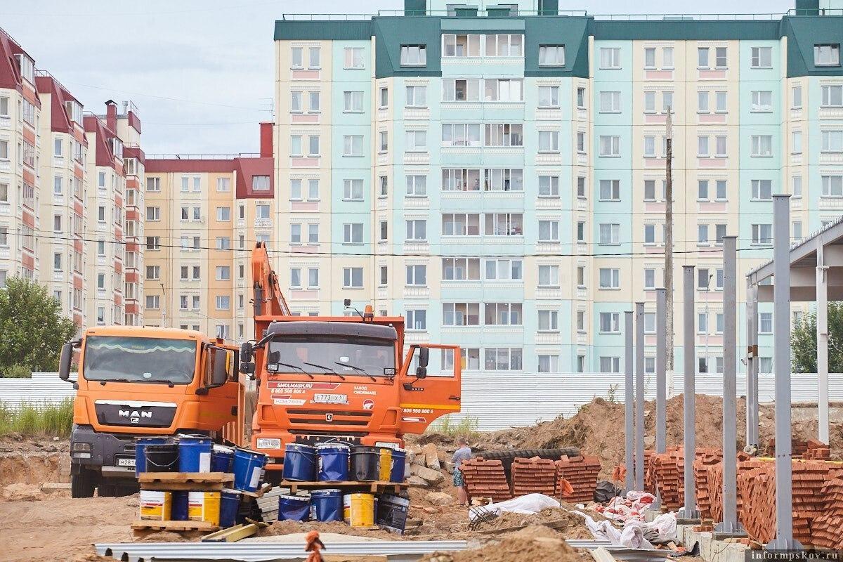 Стройплощадка инфекционки в Пскове