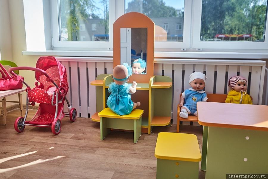 Игрушки и мебель в ясли помогла купить городская администрация