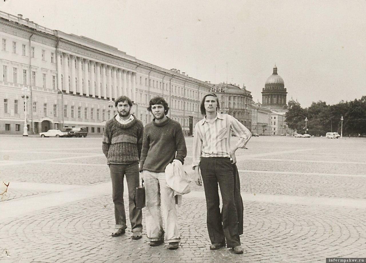 Друзья-поэты Евгений Шешолин, Артём Тасалов и Мирослав Андреев