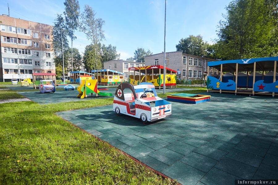 Игровая площадка для малышей до трёх лет
