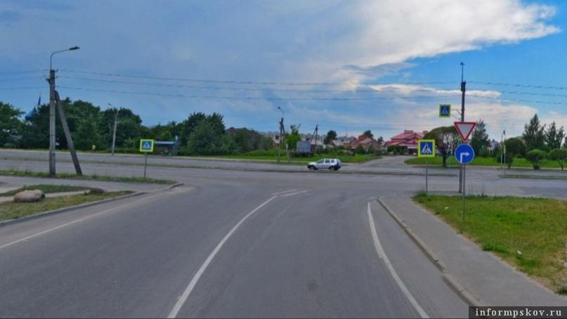 """Фото: группа """"Убитые дороги Пскова"""" в социальной сети """"ВКонтакте"""""""