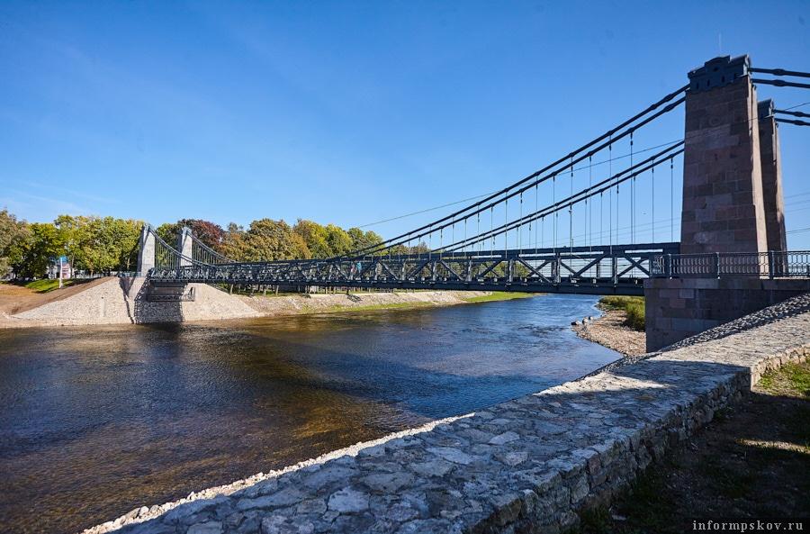 Мосты над Великой словно парят в воздухе