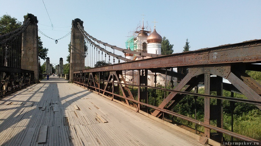 Так мост в Острове выглядел до начала реставрации. Фото с сайта szmp.ru