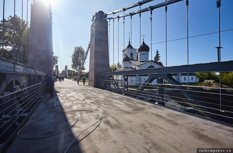 Вместо деревянного настила на мостах уложили ортотропные плиты