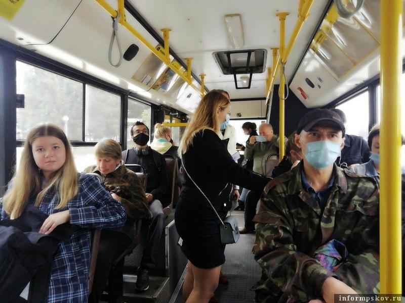 Без маски в автобус не пустят. Фото ПАИ.