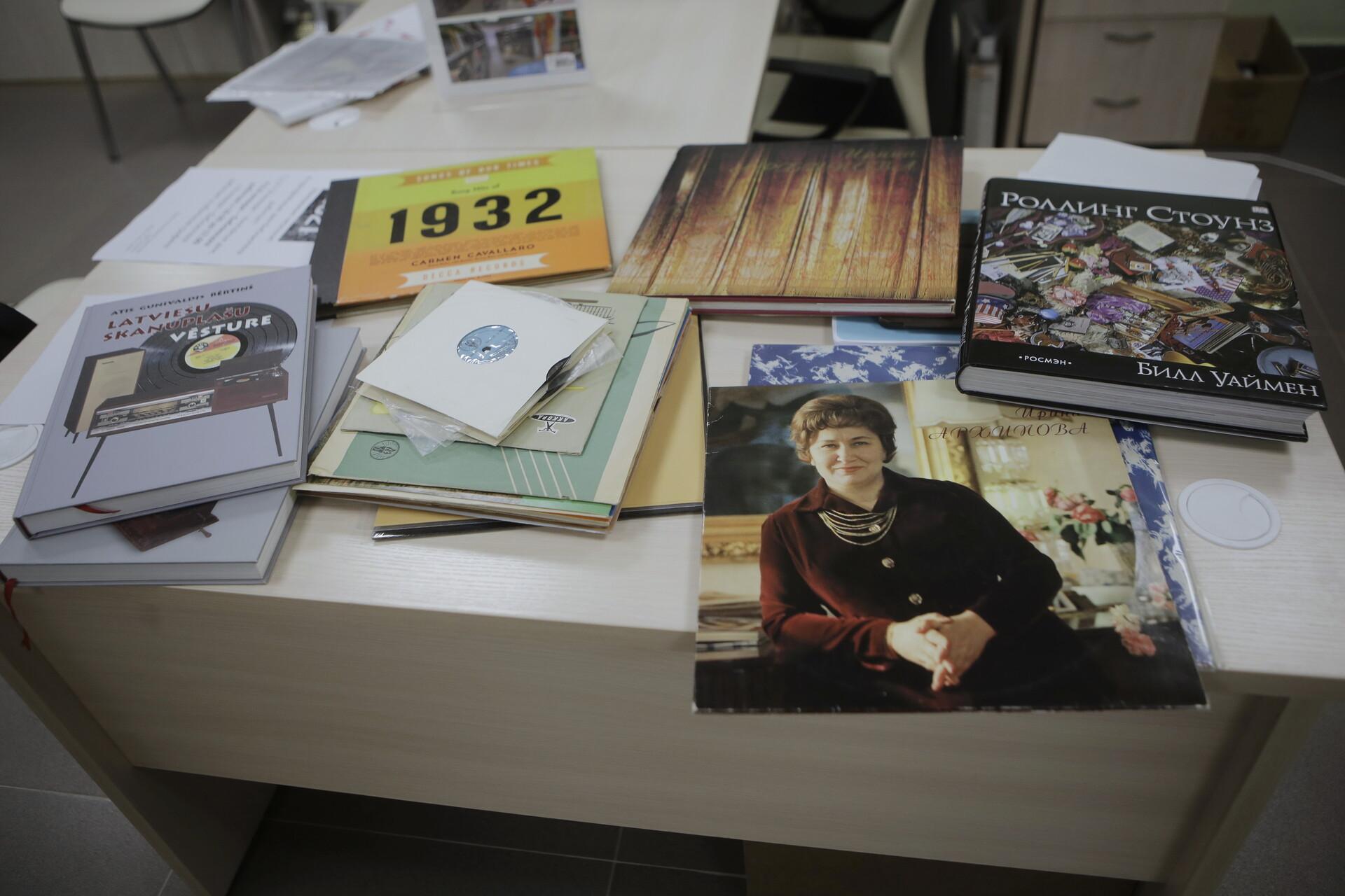 Коллекция пластинок насчитывает тысячи экземпляров. Фото Андрея Степанова.