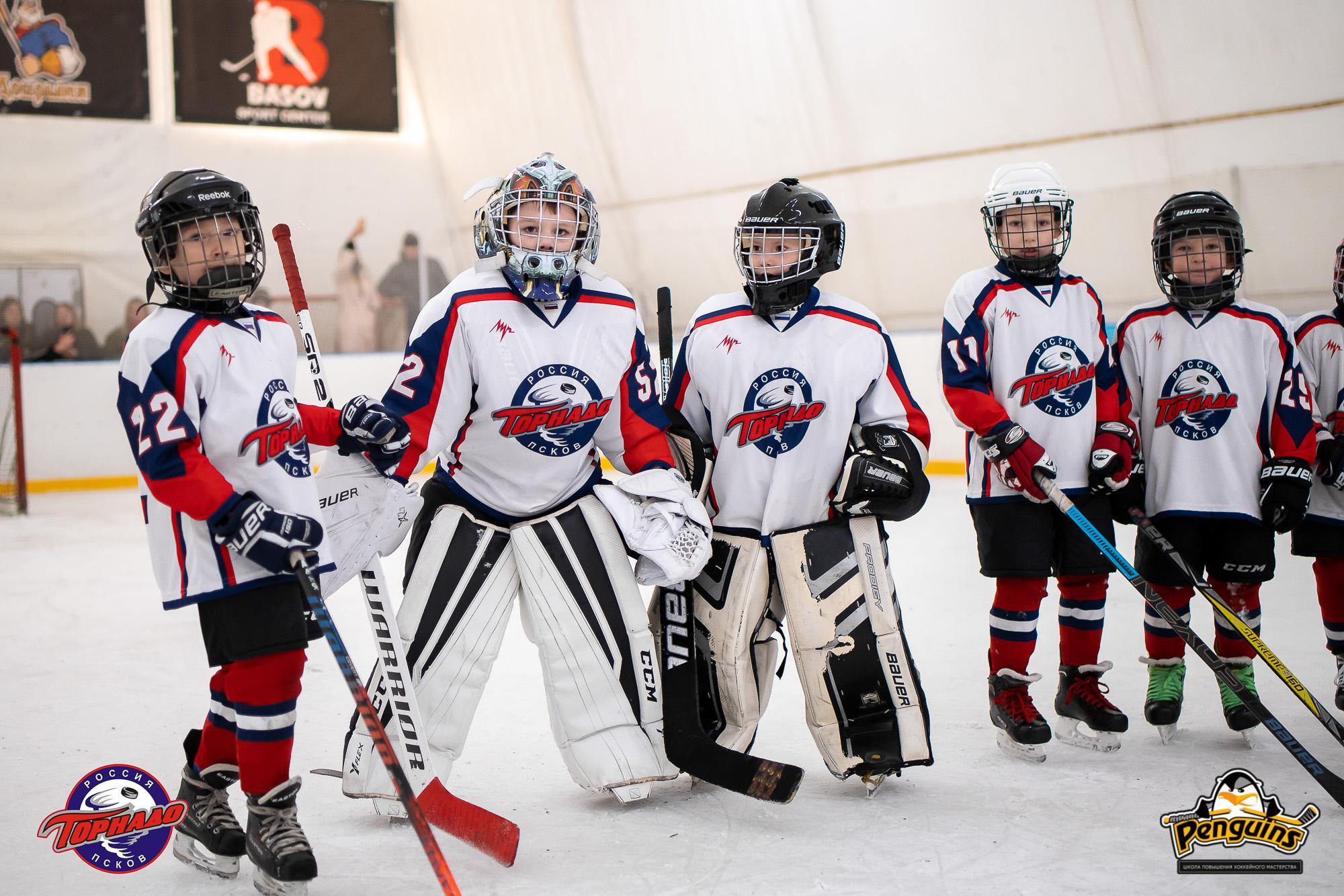 Фото предоставлено родителями детей, которые занимаются хоккеем в Пскове
