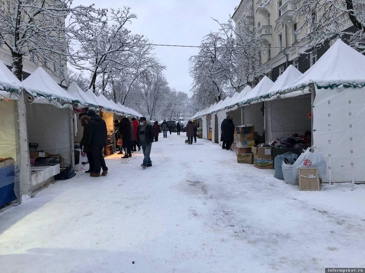 Ярмарка на улице Пушкина в Пскове. Фото: Telegram-канал Псковские новости