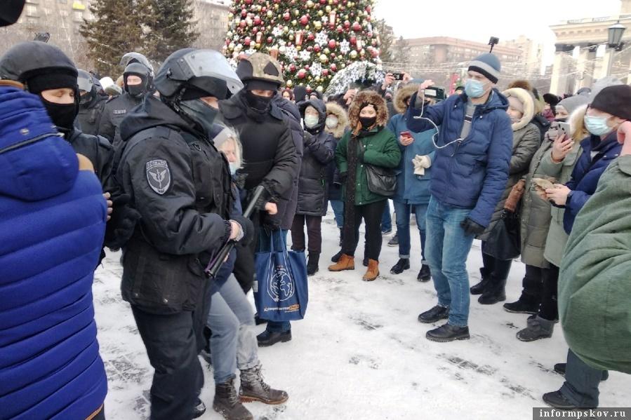 Большинство уголовных дел проходят по статье Применение насилия в отношении представителя власти. Фото Кирилл Буньков / 4s-info.ru