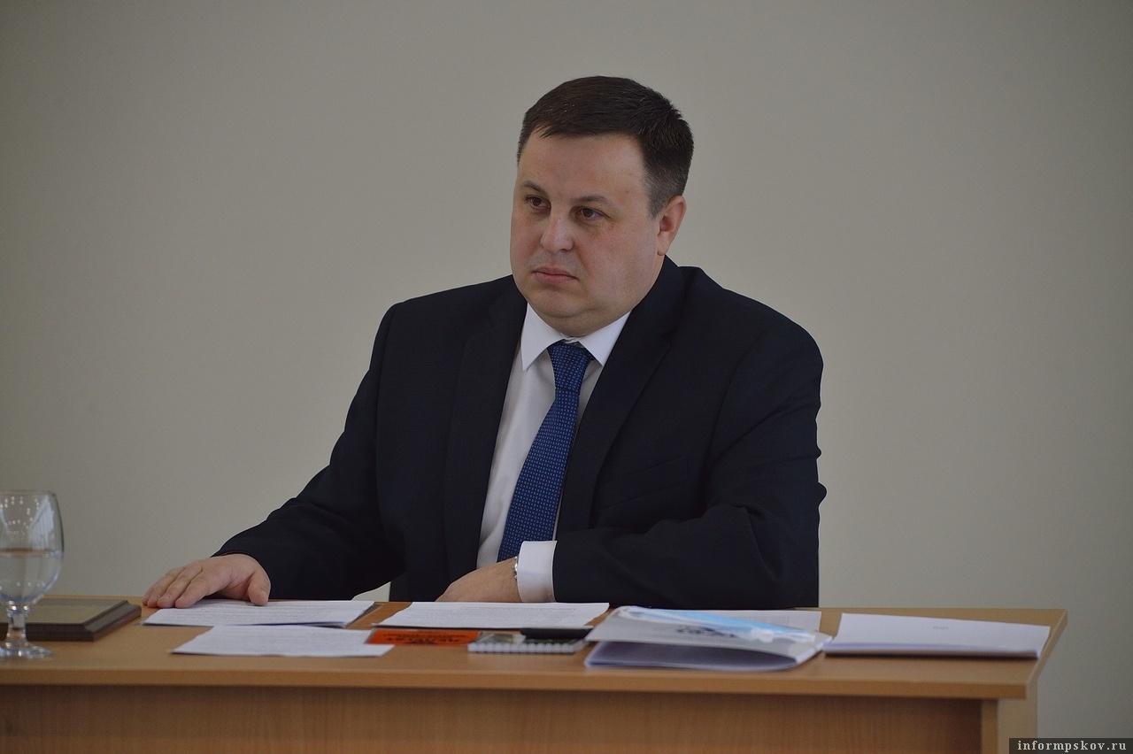 Новый президент Федерации футбола Псковской области Александр Коновалов. Фото Андрея Лупанова