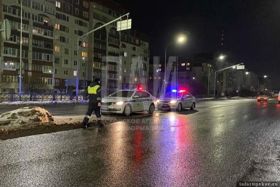 На Рижском проспекте в Пскове водитель наехал на женщину. Фото ПАИ