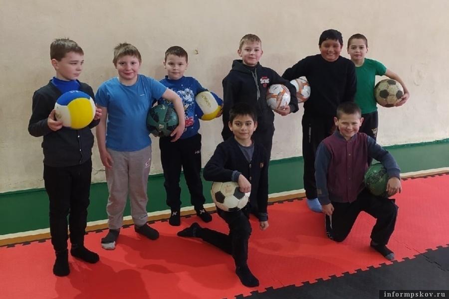 Школьники-спортсмены Новоржевского района. Фото Фото Новоржевской средней школы