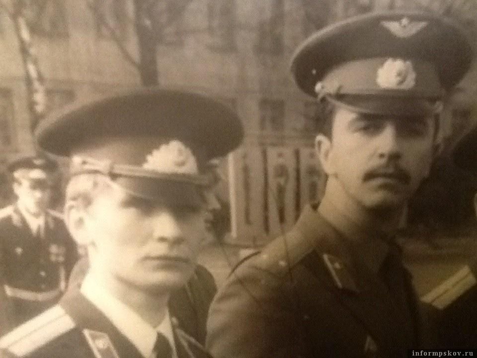 Сергей Тарасик на фото справа. Фото из архива героя публикации.