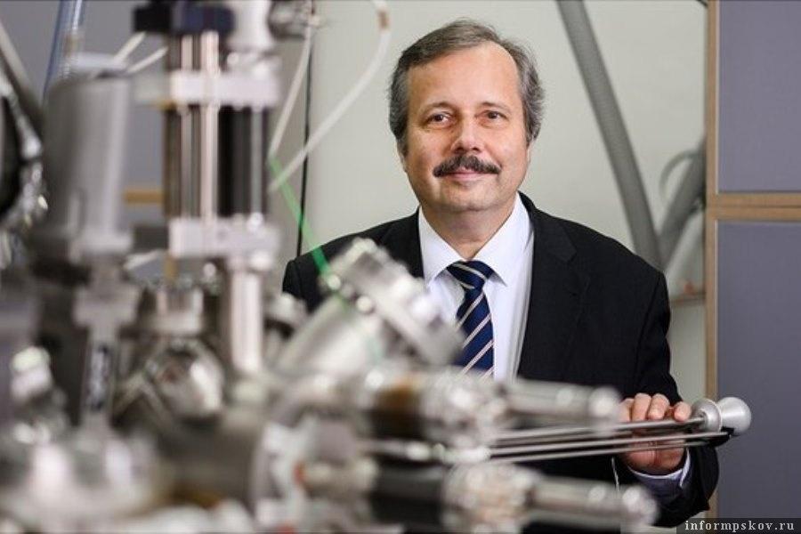 Ролан Визендангер уверен, что коронавирус создали в лабораториях Китая. Фото Sebastian Engels