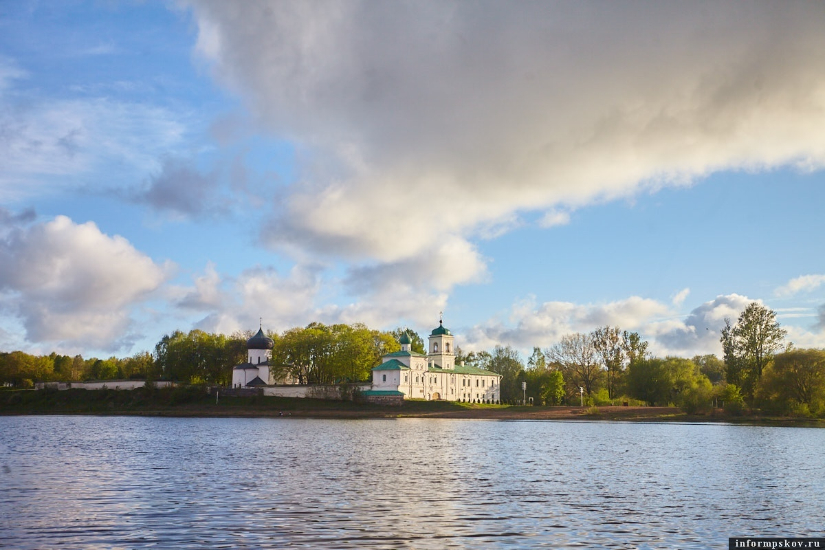Для наблюдения за памятниками ЮНЕСКО в Пскове закупили специальные маяки