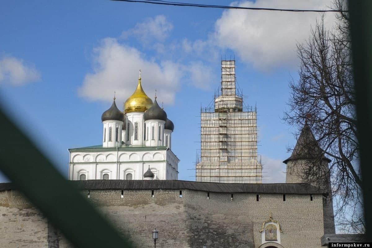 Леса с колокольни Троицкого собора могут снять к концу 2021 года