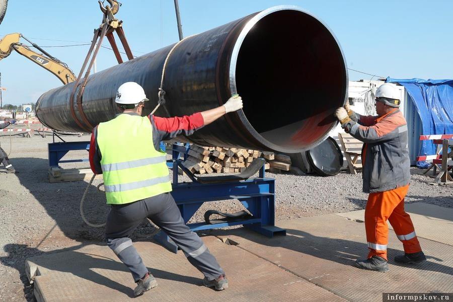 Меж тем, строительство газопровода идёт обычныы путём. Фото