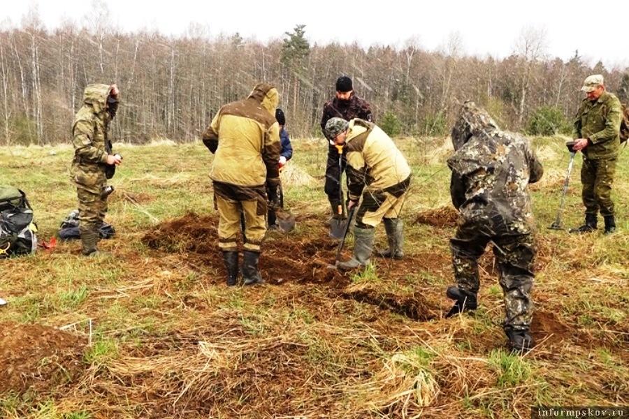 Солдат ищут по медалям.Фото ГТРК Псков
