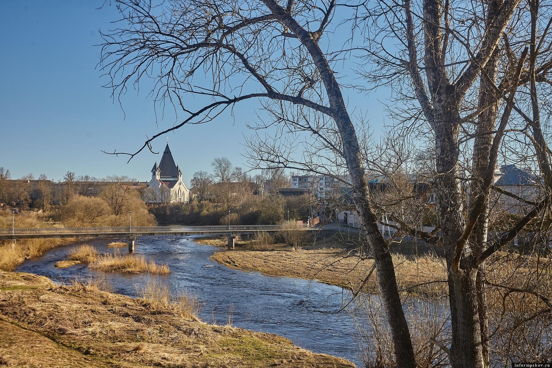 Псковская область по нацпроекту получила средства на расчистку Псковско-Чудского озера и реки Псковы