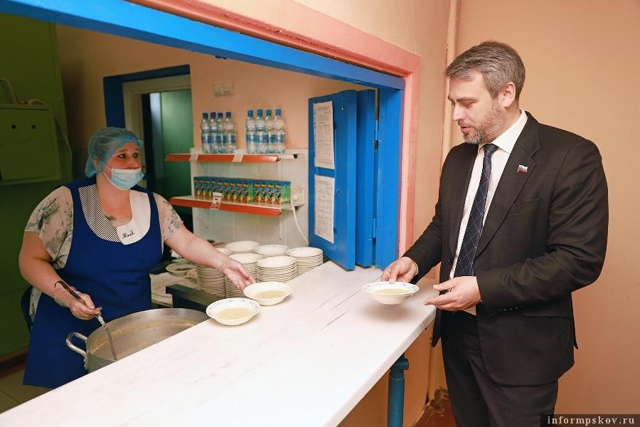 Фото пресс-службы Псковского областного Собрания