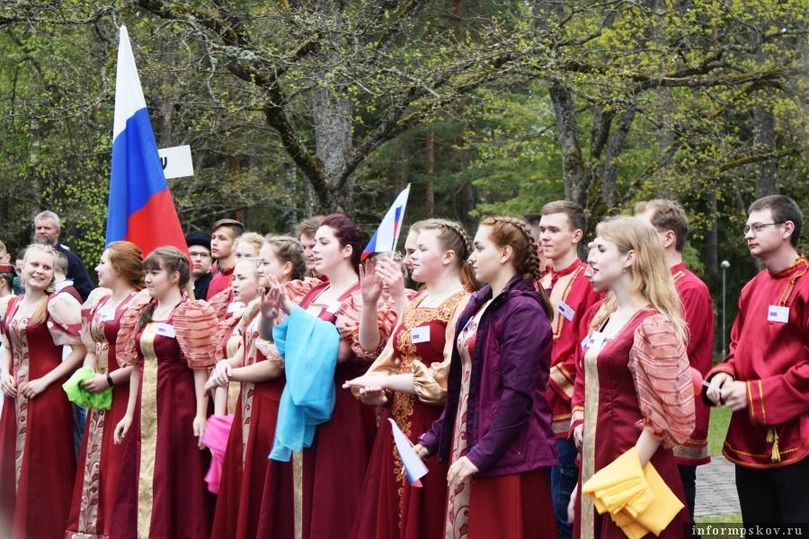 Открытие фестиваля - всегда волнующий праздник.  Фото газеты «Гдовская заря»