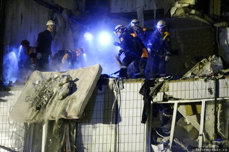 Трое человек серьёзно пострадали. Один может находиться под завалами. Фото Владимир Смирнов/ТАСС