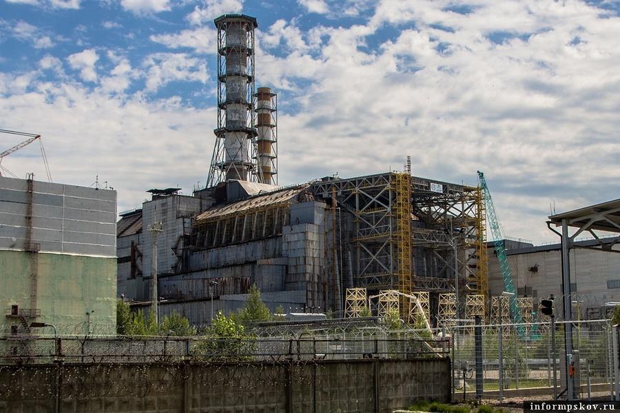 Чернобыльская АЭС, 4-й энергоблок (фото Arne Müseler, Wikipedia)