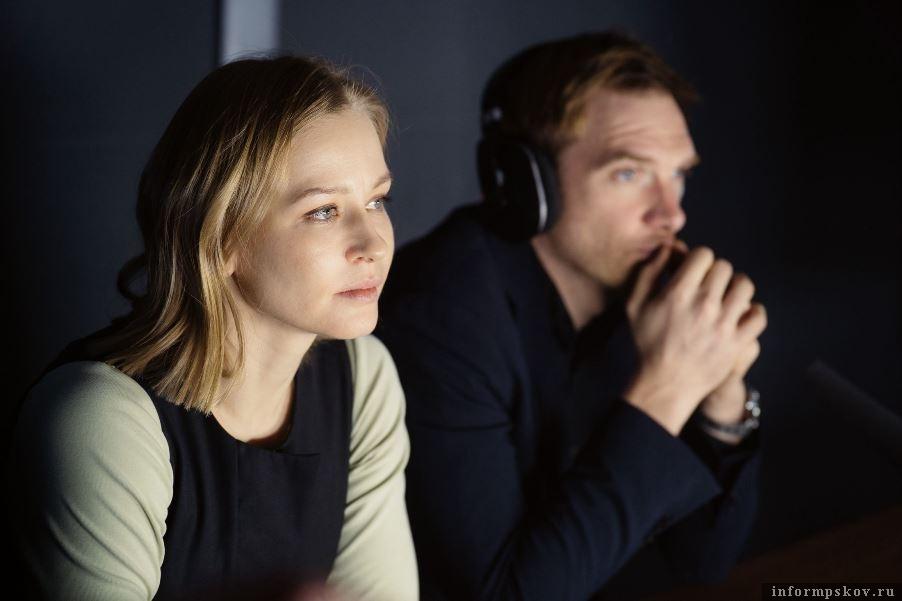 Кадр из сериала «Медиатор». Юлия Пересильд и Андрей Бурковский. Фото  кадр из фильма