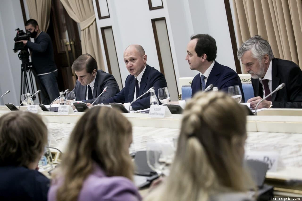 Фото с сайта Фонда президентских грантов/ Владимир Андреев, УРА.РУ.