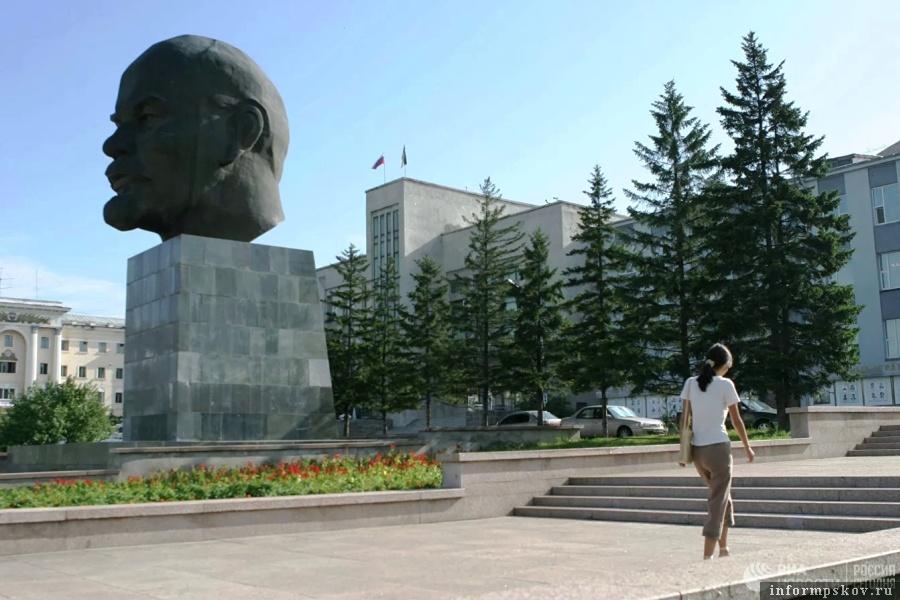 Памятник Ленину в Улан-Удэ. Фото РИА Новости / Руслан Кривобок