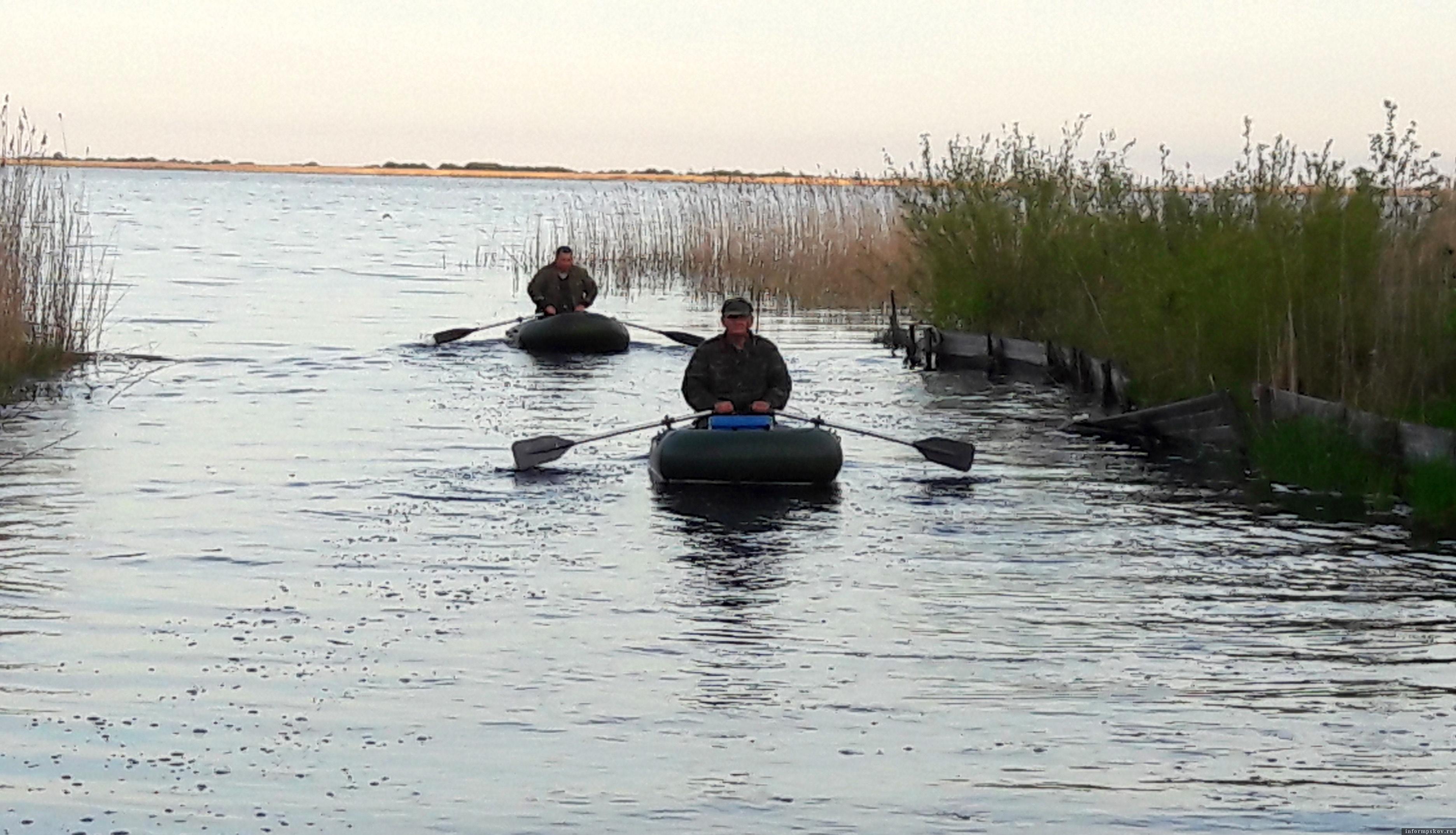 Трижды мы в этом году побывали в Раскопельском заливе со спиннингами и вёслами в руках.Фото автора.
