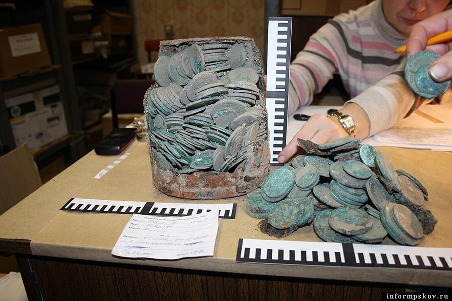 Клад из подвала дома Черёхинского. Фотографию предоставила Татьяна Ершова