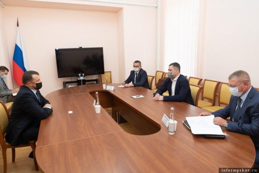 Стороны обсудили ряд актуальных вопросов системного взаимодействия. Фото пресс-служба администрации Псковской области