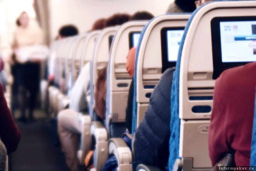 По определённым туристическим авианаправлениям семьям можно будет летать со скидкой. Фото  ГосДумы