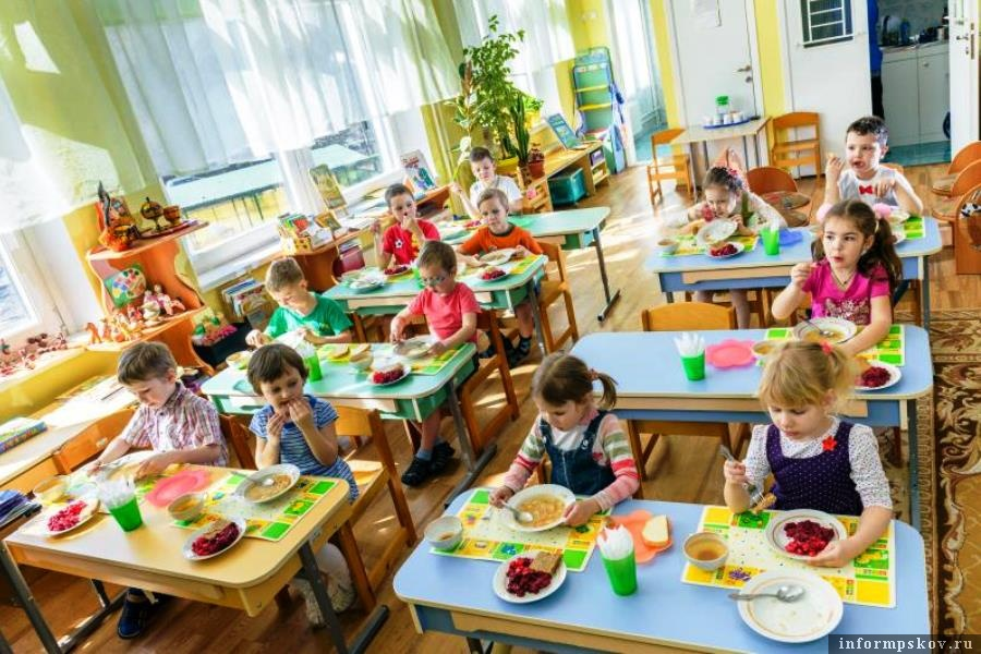 Детсад в Пскове не может работать. Нет питания для детей. Фото melkie.net