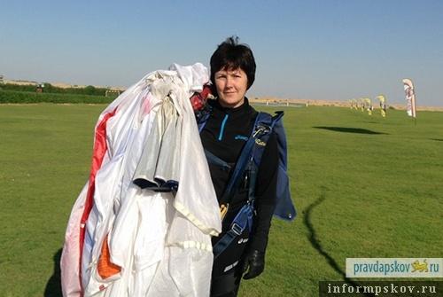 Легенда мирового парашютного спорта, псковичка Любовь Екшикеева – чемпионка России 2021 года. Из архива ЦСКА