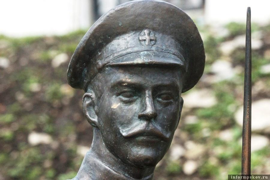 Памятник Владимиру Котлинскому возвёдён в честь столетия битвы при Осовце. Фото