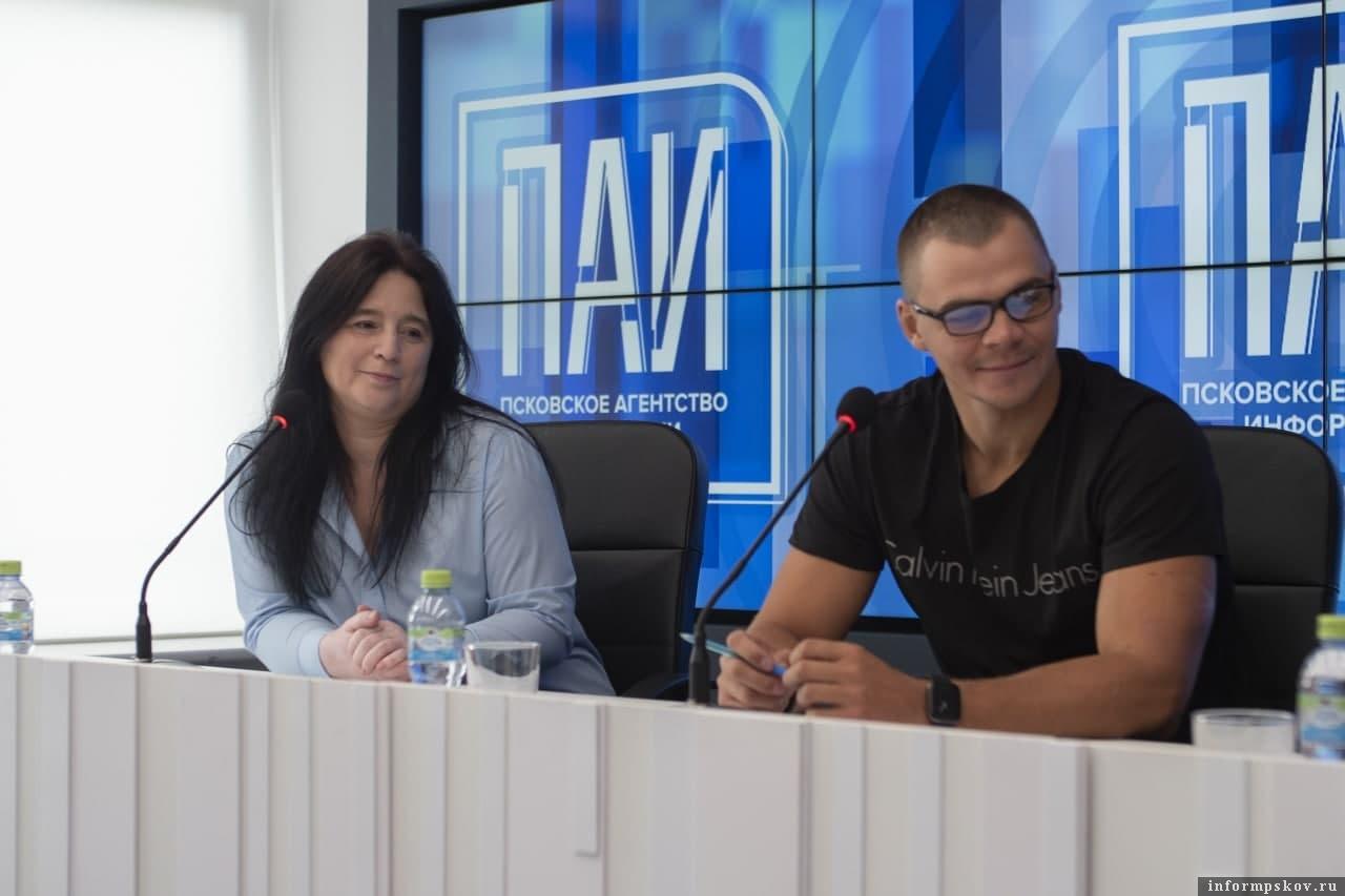 Елена Деркачева и Станислав Егоров
