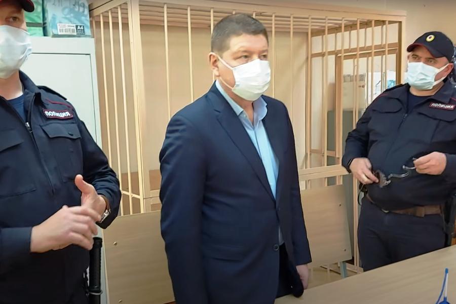 Игорь Плаксин украл у дольщиков 2.5 млрд рублей. Фото скрин Youtube