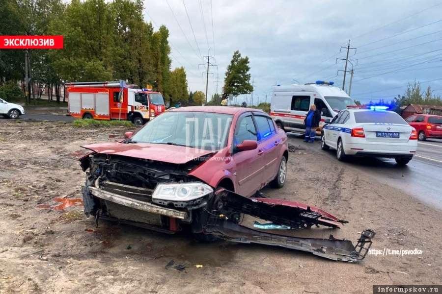 Два человека пострадали в результате столкновения иномарок. Фото ПАИ