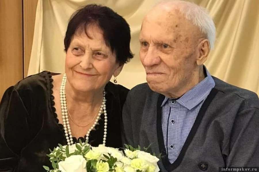 Когда влюбленным стукнуло 90, они поженились. Фото Telegram