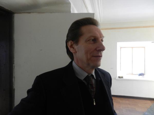 Куратор выставки Энцо Форнаро