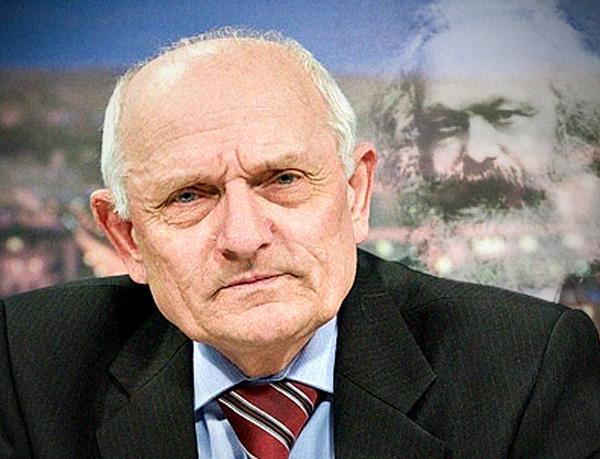 Псковский коммунист Виктор Дуля не чтит Карла Маркса