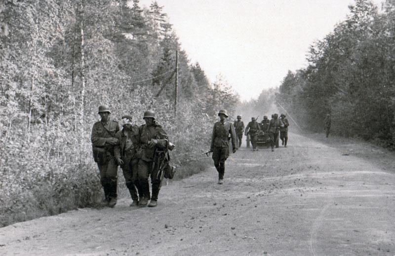 У немцев появились раненые.
