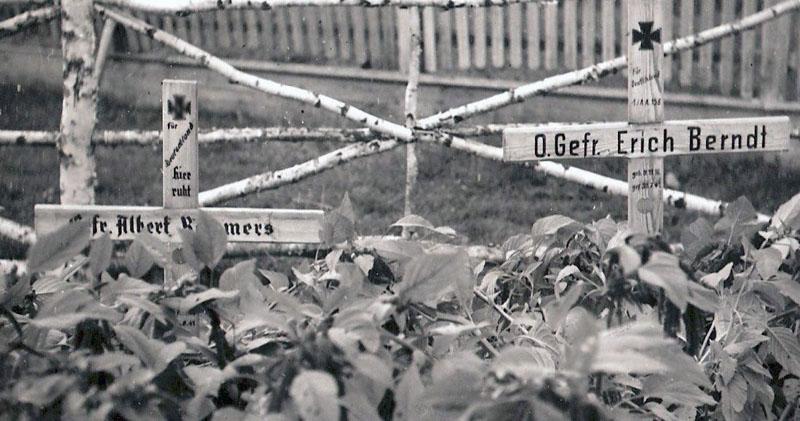 Немецкие могилы в Гдове. Оберефрейтер Erich Berndt из того самого разведбата 58-й пехотной дивизии (Aufkl?rungs-Abteilung 158), штурмовавшего Гдов. Умер от ран 30.7.41 в 158-м медсанбате  в Гдове.